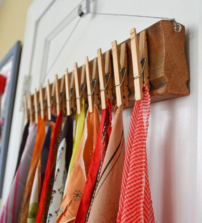 Самодельная вешалка для платков