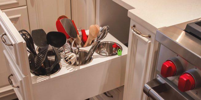 Хранение на кухне столовых приборов