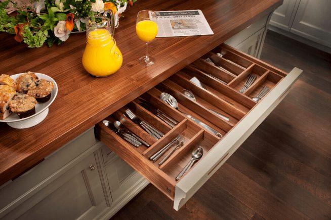 Хранение на кухне в ящиках