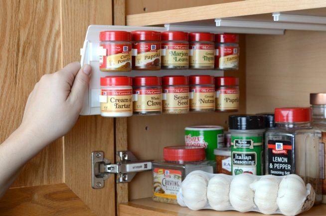 Хранение специй в шкафу