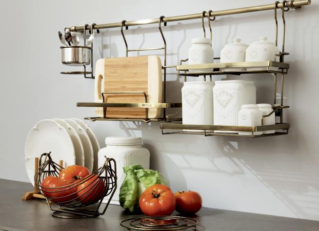 Хранение на кухне на подвесных полках