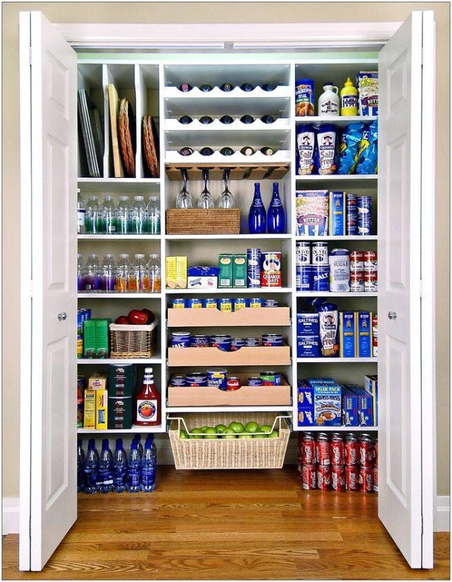 Хранение бутылок и фужеров в кладовке