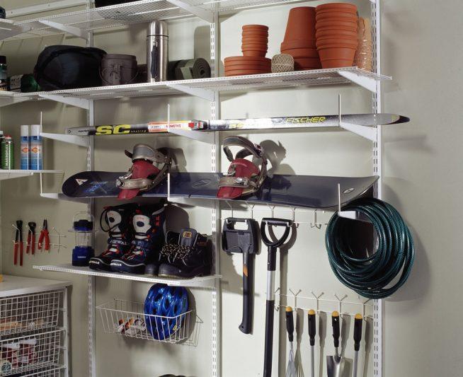 Полки для хранения лыж и ботинок