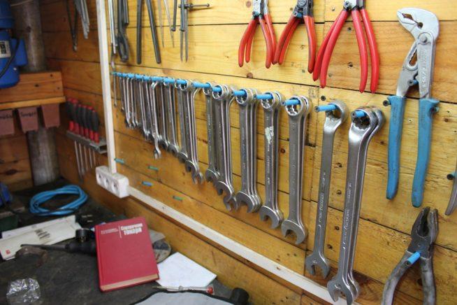 Самодельная панель для гаечных ключей