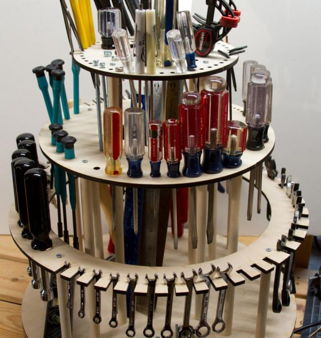 Повортный ящик для инструментов