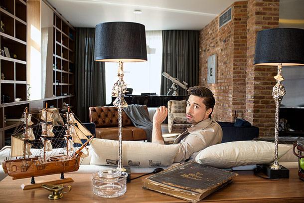 Где живёт Дима Билан: подборка фотографий интерьера квартиры