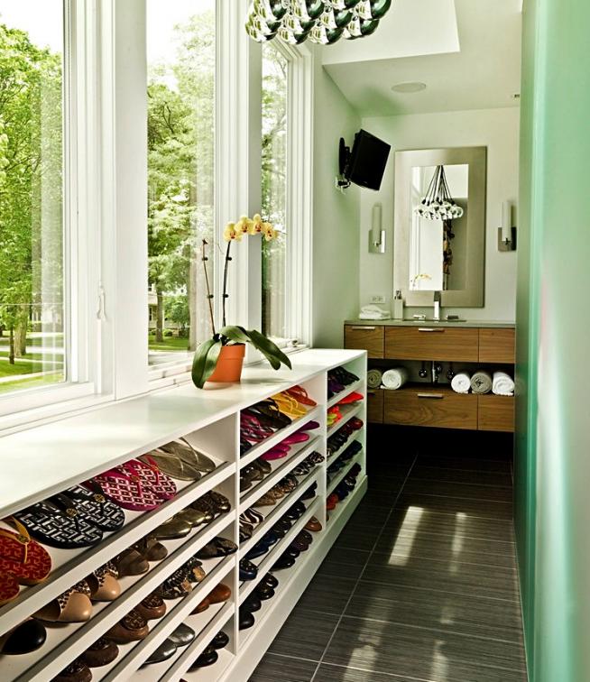 Хранение обуви на балконе