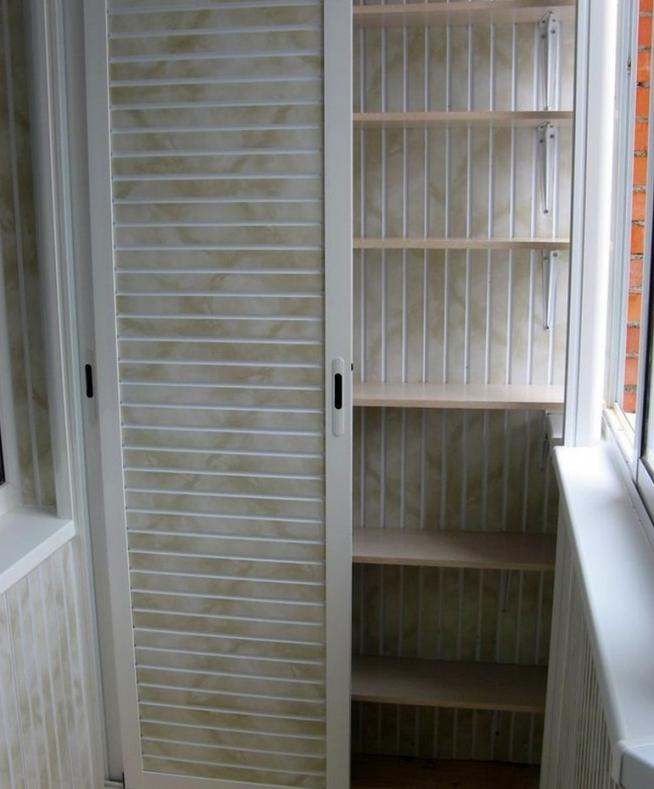 Шкаф с раздвижными створками