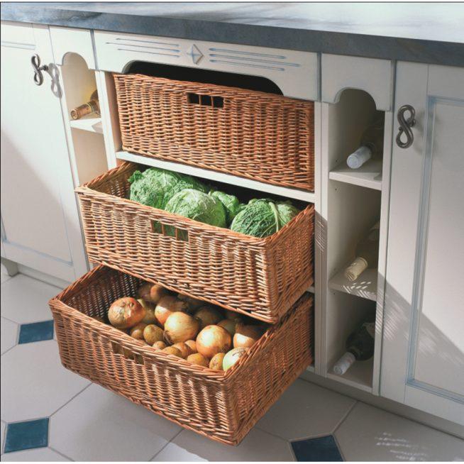Корзинки для хранения овощей на тёплой лоджии