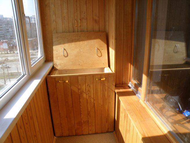 Удобный ящик на балконе для овощей