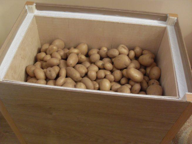 Утеплённый ящик для овощей на балконе
