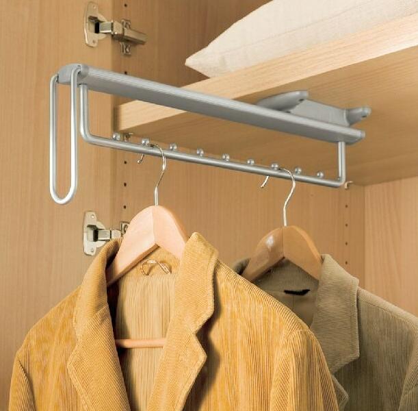 Выдвижной держатель для одежды