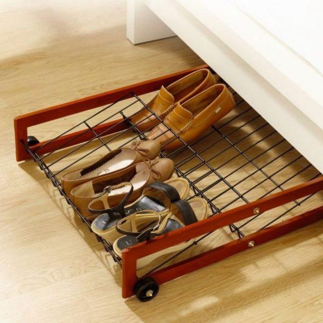 Полка для обуви в шкафу-купе