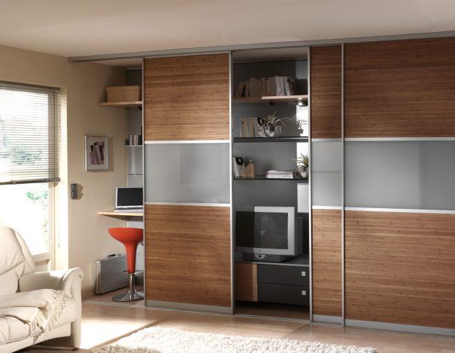 Шкаф с рабочим местом и телевизором