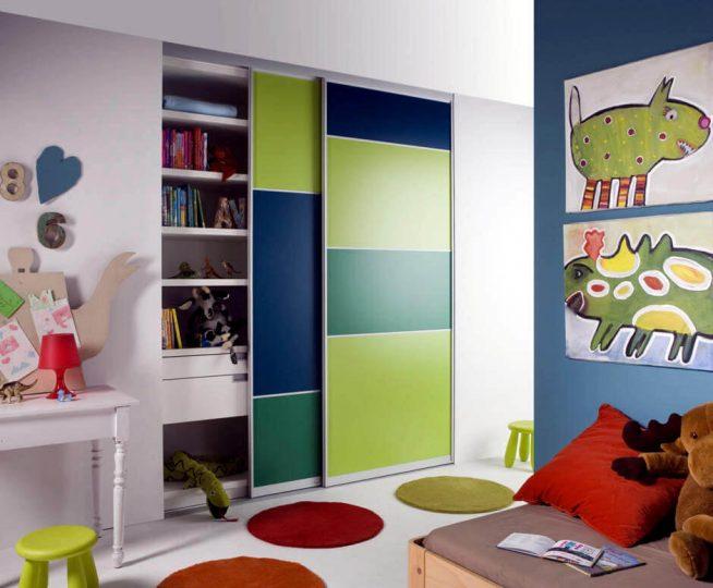 Шкаф-купе в детской комнате