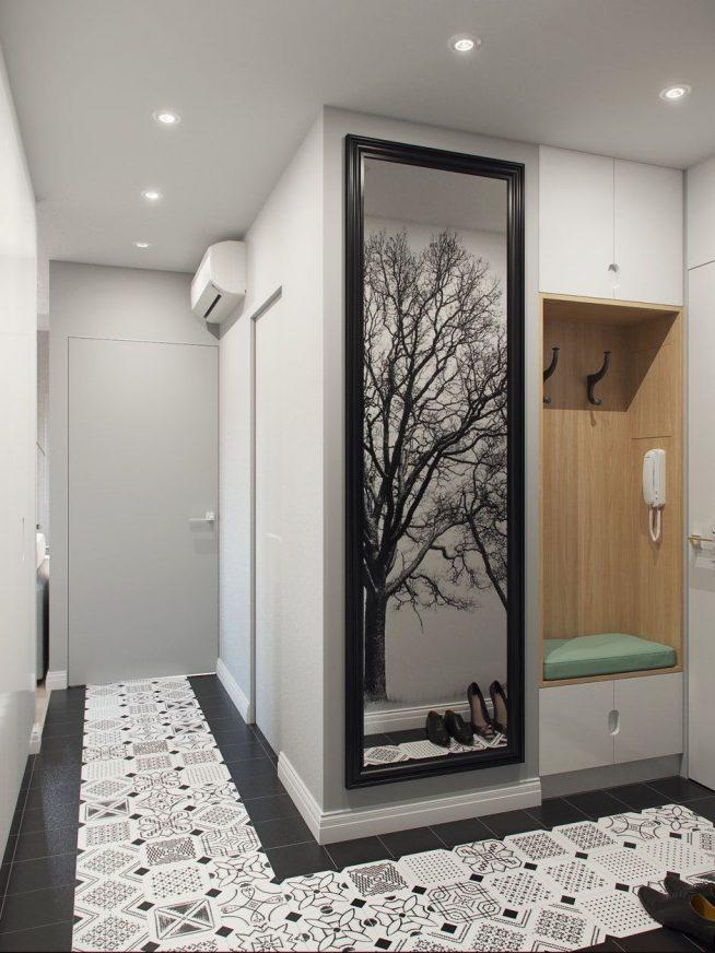 Дверь в ванную комнату и прихожая