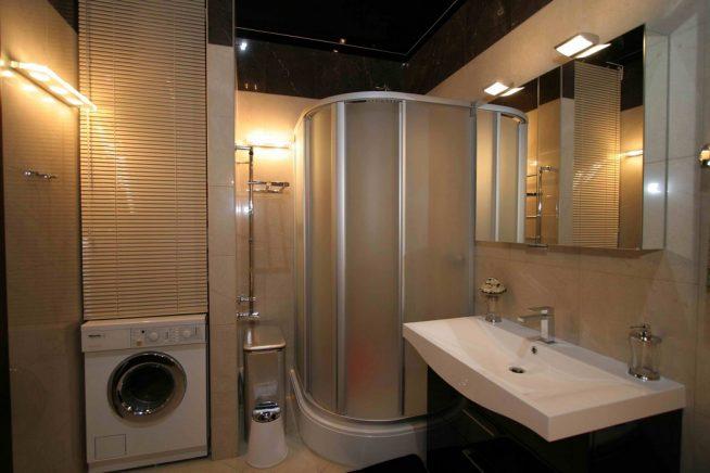 Ванная комната в маленькой студии
