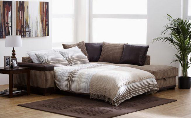 Кровать-диван в студии
