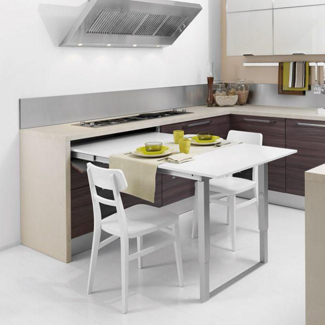 Стол-трансформер на небольшой кухне