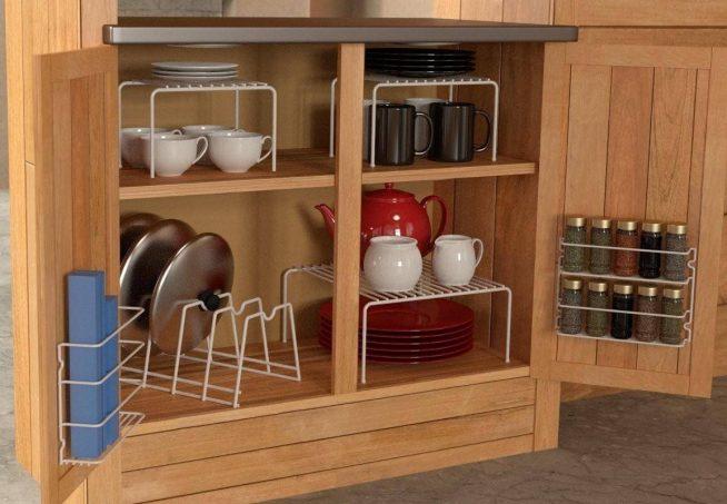 Использование дверцы кухонного шкафа для специй