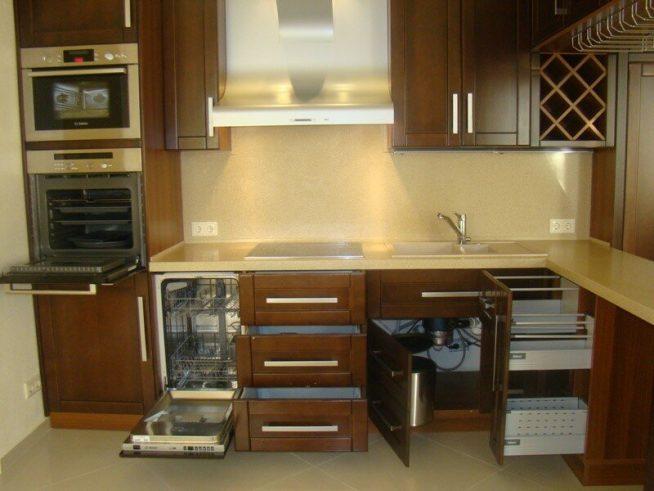 Встроенная техника на небольшой кухне