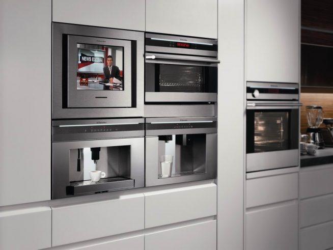 Встроенная бытовая техника на кухне