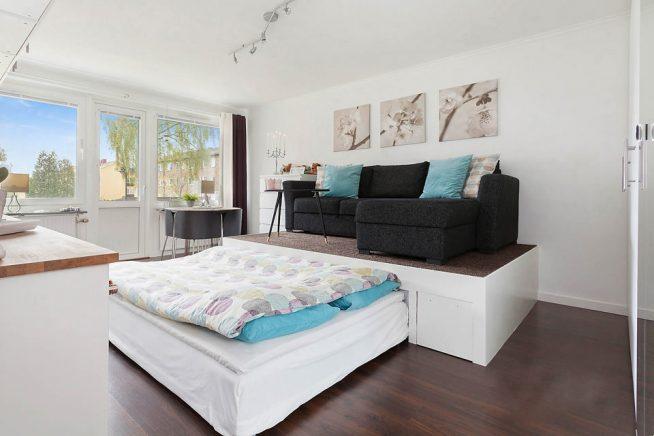 Выдвижная кровать в спальне