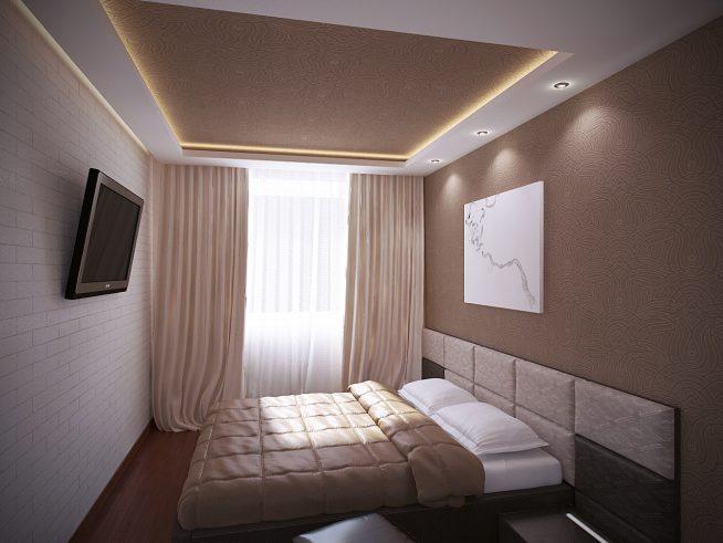 Красиво подсвеченный потолок в маленькой спальне