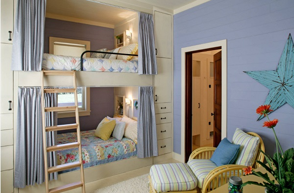 Двухъярусная детская кровать для мальчика и девочки