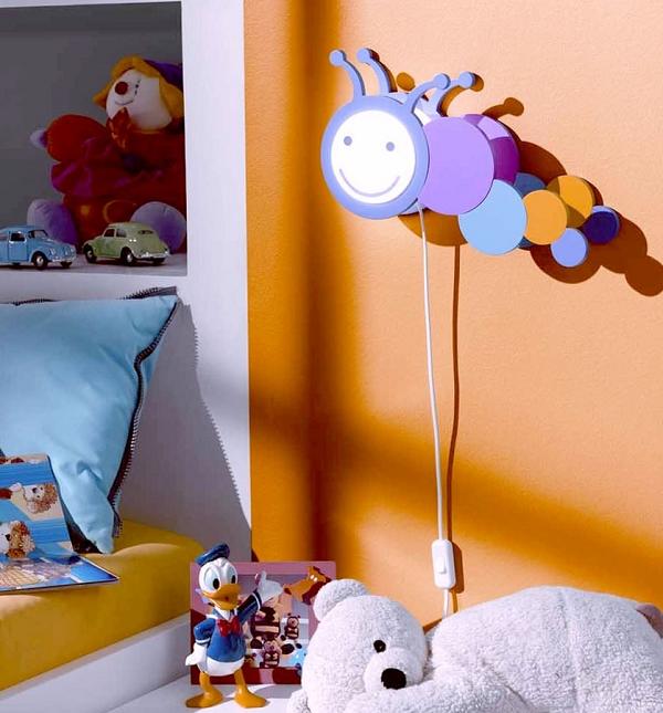 Настенный ночник у детской кровати