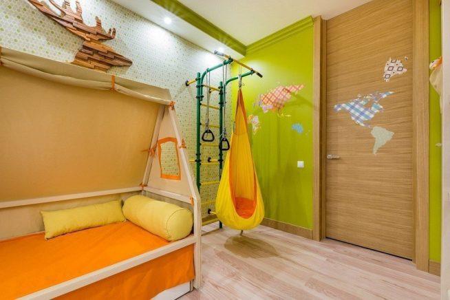 Маленький спортивный комплекс в детской спальне