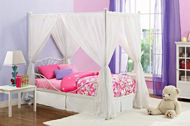Кованая кровать с балдахином для девочки