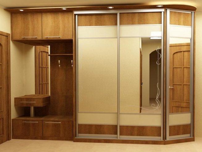 Многофункциональный зеркальный шкаф-купе