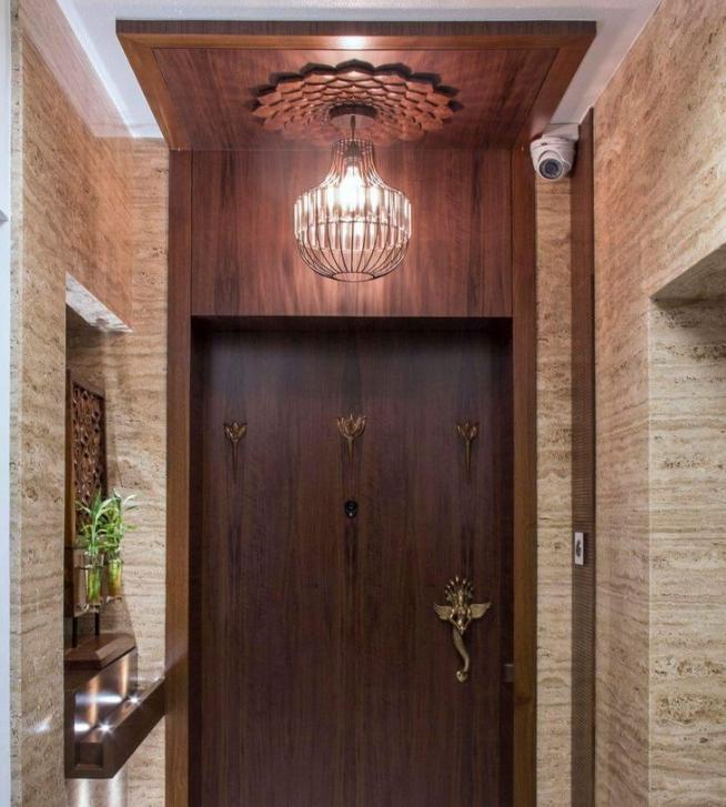 Освещение входной двери прихожей