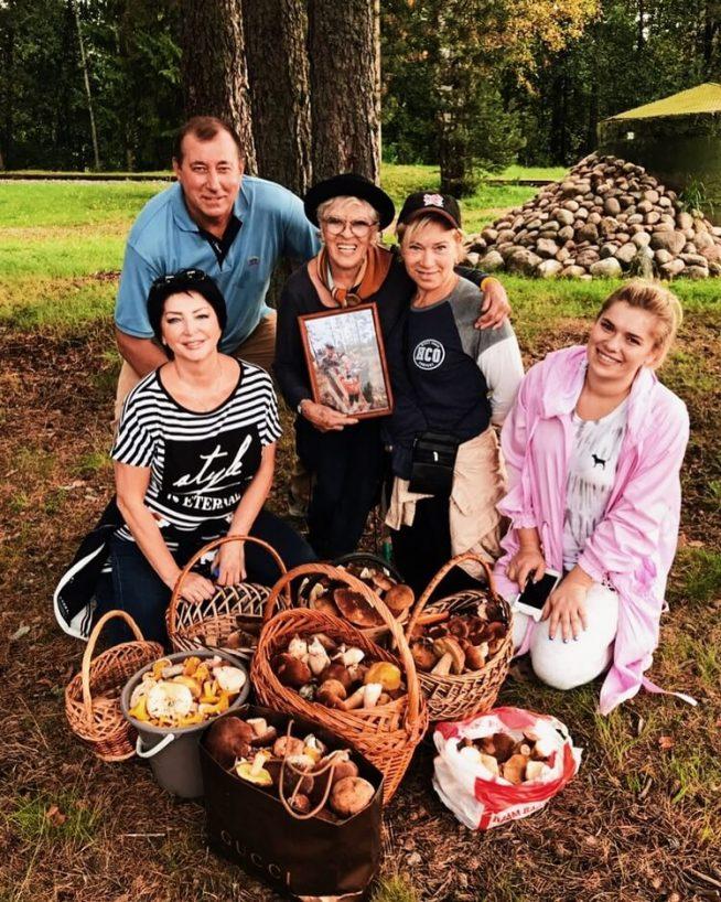 Алиса Фрейндлих с семьёй