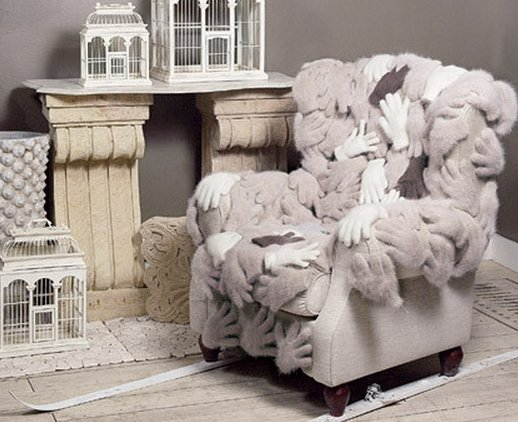 Обивка кресла из перчаток