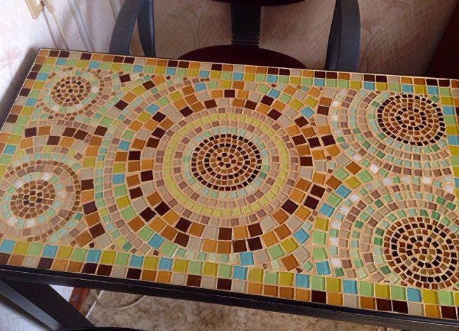 Столешница, выложенная мозаикой