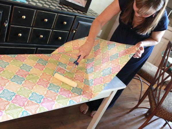 Покрытие стола самоклеющейся плёнкой