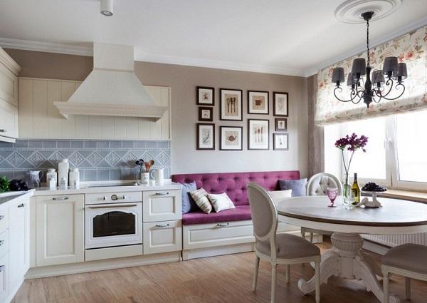 Композиция из картин на кухне