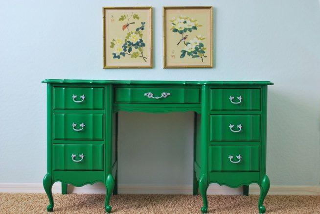 зелёный стол