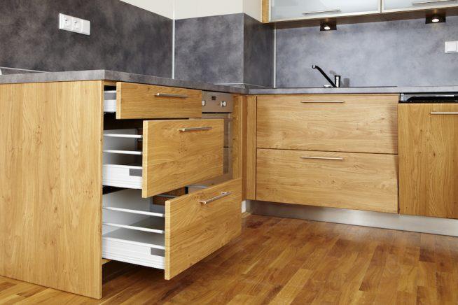 Новая фурнитура на кухонных ящиках