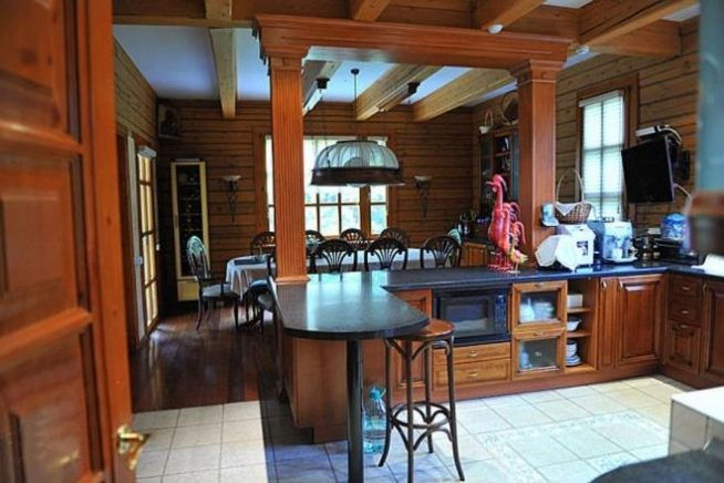 Кухня в доме Михалкова