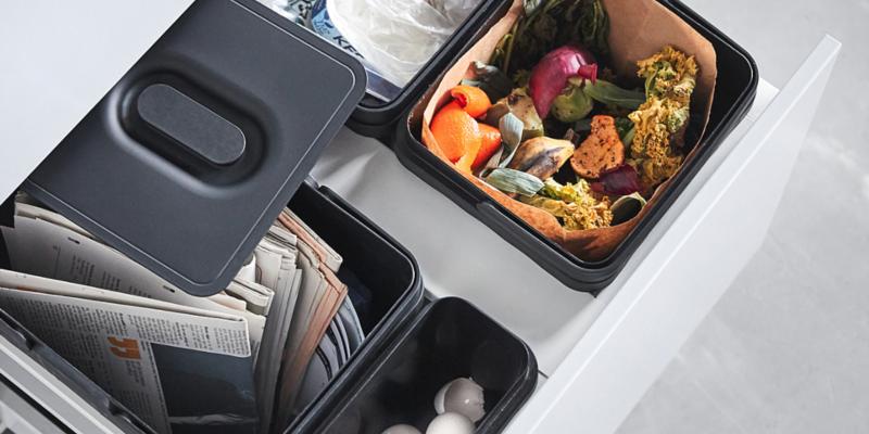 Как расположить мусорное ведро на кухне: подборка идей в фотографиях