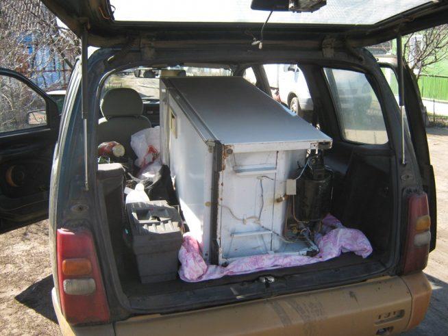 Перевозка холодильника лёжа на боку