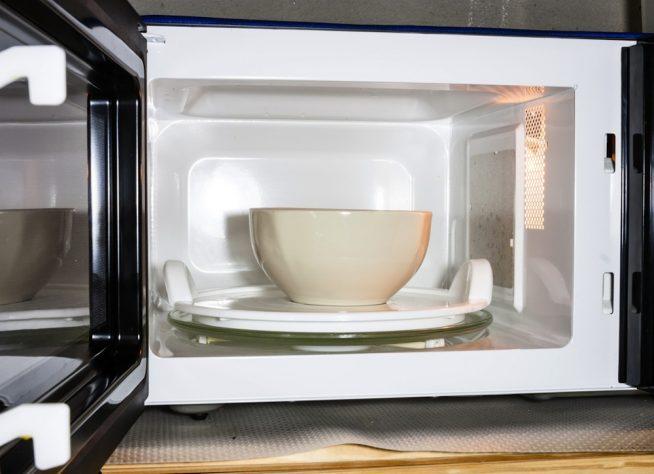 Глубокая тарелка в микроволновке