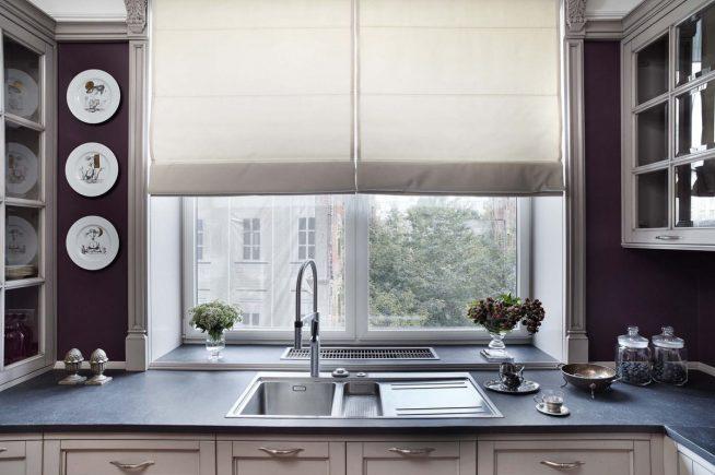 Римские шторы на маленькой кухне
