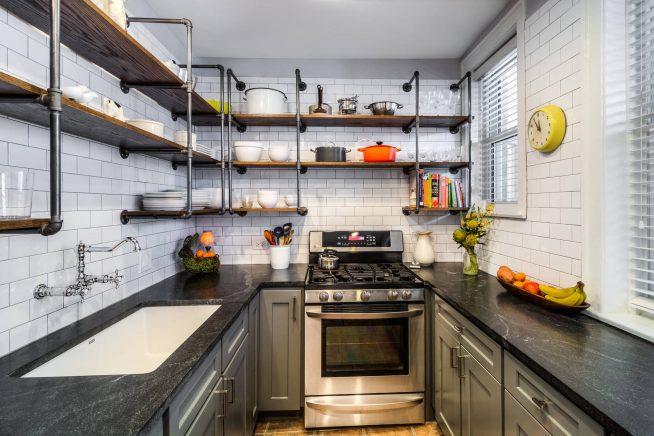 Интерьер небольшой кухни в стиле лофт