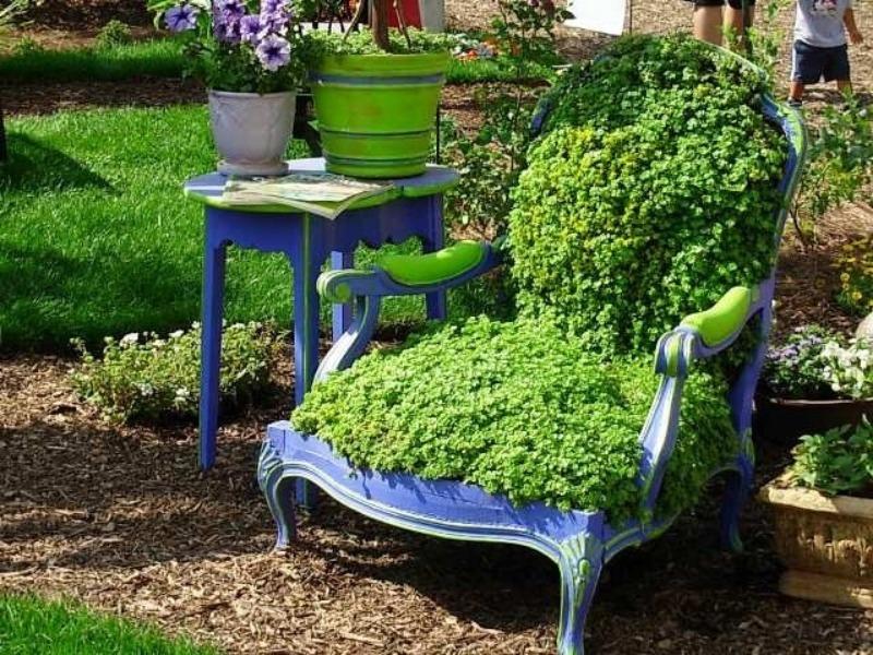 6 полезных и оригинальных поделок из старых стульев