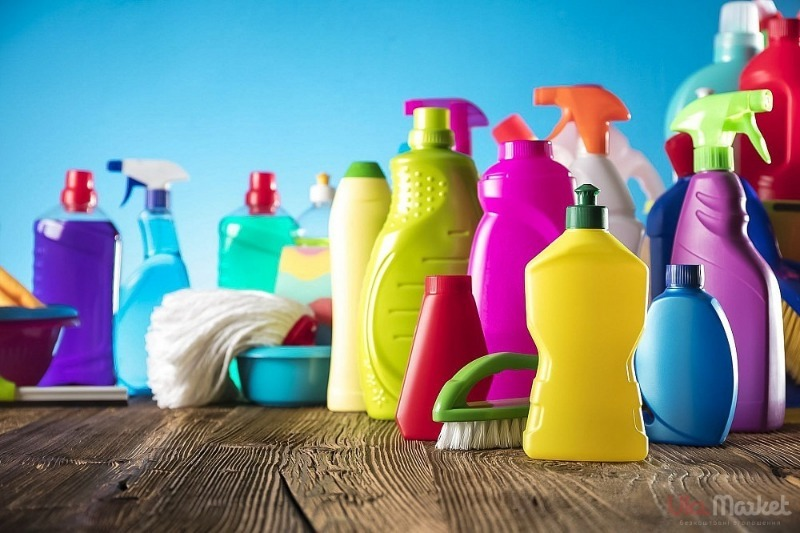 Стоит запомнить: средства, которые опасно смешивать во время уборки