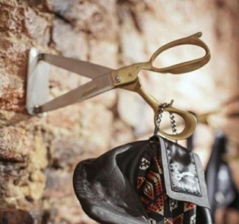 8 вариантов крючков для одежды из бытовых предметов, которые будут замечены всеми гостями
